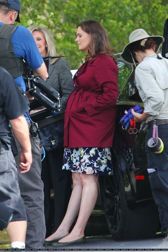 "Emily On the Set of ""Bones"" - August 22, 2011"
