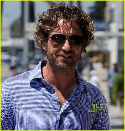 Gerard Butler: Beverly Hills Office Meeting - gerard-butler Photo