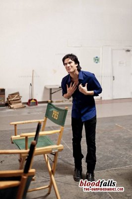 Ian Somerhalder looking great behind the scenes as Damon!
