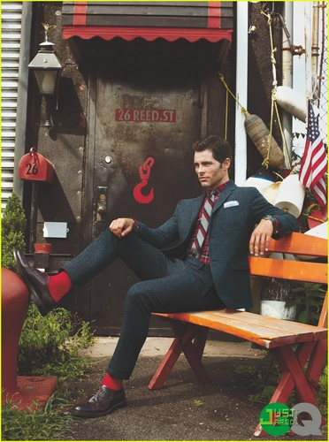James Marsden सूट्स Up for 'GQ' September 2011