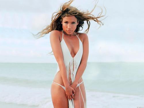 Jennifer Lopez wallpaper probably containing a bikini titled Jennifer Lopez