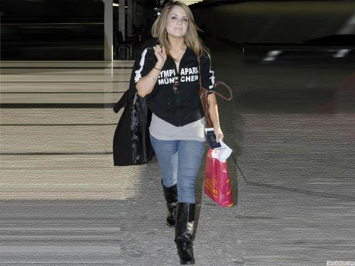 JoJo Levesque 바탕화면 with a hip boot entitled Jojo