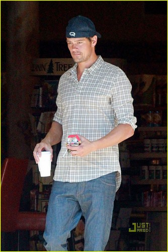 Josh Duhamel: Praying for Hurricane Irene to Slow Down