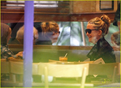 Kate Hudson: 런던 Lunch with Ryder!