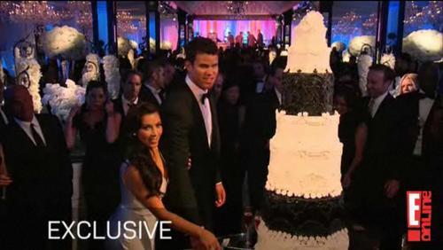 Keeping Up With The Kardashians Wallpaper A Concert Enled Kim Kardashian Kris Humphries Wedding