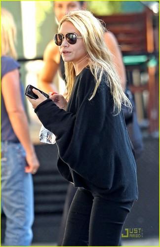 Mary-Kate & Ashley Olsen: Bowery Break