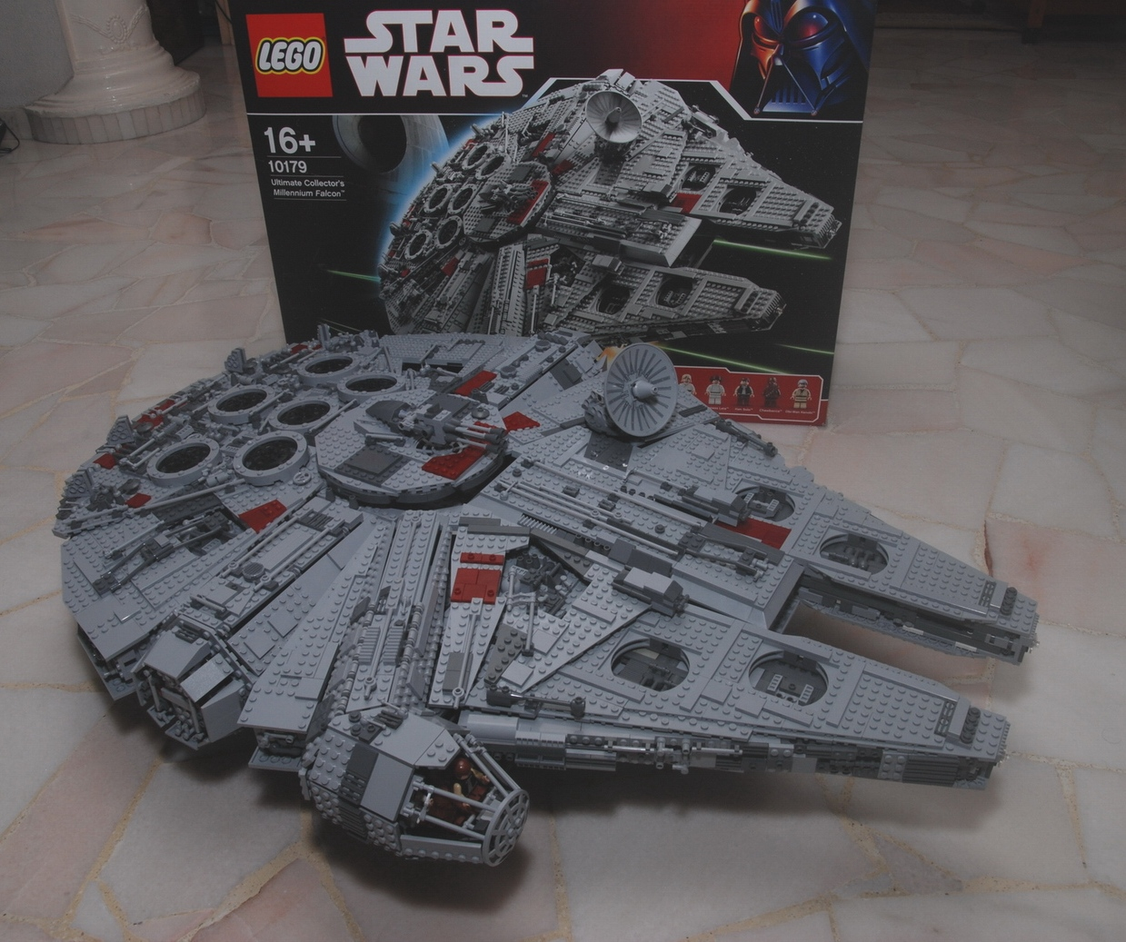 clubs lego star wars images  title millenium falcon photo
