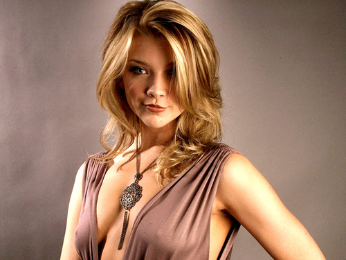 Natalie Dormer wallpaper probably with attractiveness, a bustier, and a chemise titled Natalie Dormer