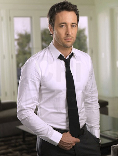 Alex O'Loughlin wallpaper with a business suit titled New TV Guide Outtakes <3