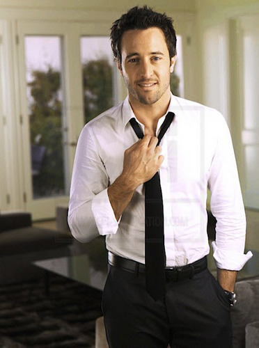 Alex O'Loughlin wallpaper probably with a business suit titled New TV Guide Outtakes <3