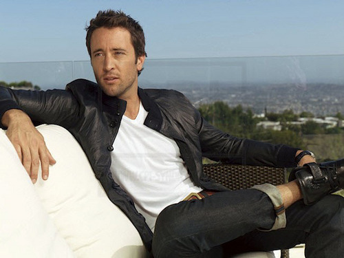 Alex O'Loughlin wallpaper containing a business suit called New TV Guide Outtakes <3