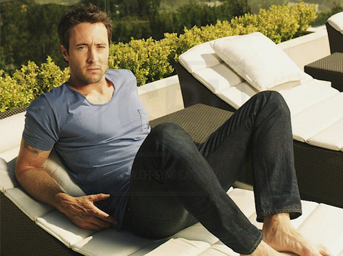 Alex O'Loughlin wallpaper containing a couch, a business suit, and a family room entitled New TV Guide Outtakes <3