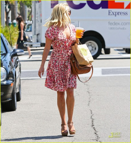Reese Witherspoon: Lindex's New Face!