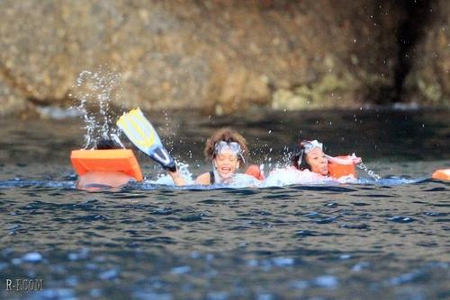 rihanna - Diving in Porto Fino - August 24, 2011