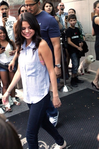 Selena - Leaving her hotel in Toronto - August 23, 2011