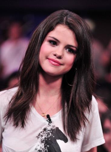 "Selena - MuchMusic's ""New संगीत Live"" - August 24, 2011"