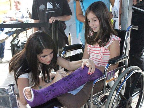 Selena - Radio Stations At 104.5 Chum, August 24, 2011