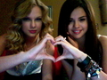 Selena and Taylor acting cool