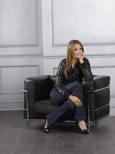 Stana Katic - château Season 4 Promotional photos