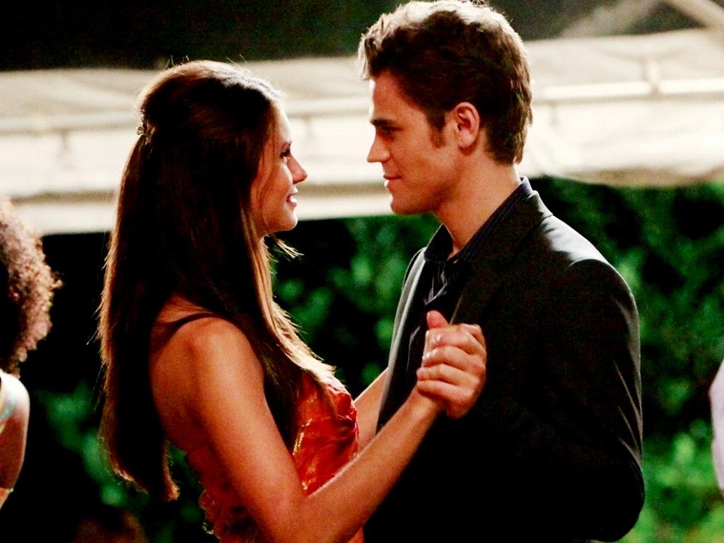 Vampire diaries elena and stefan season 5