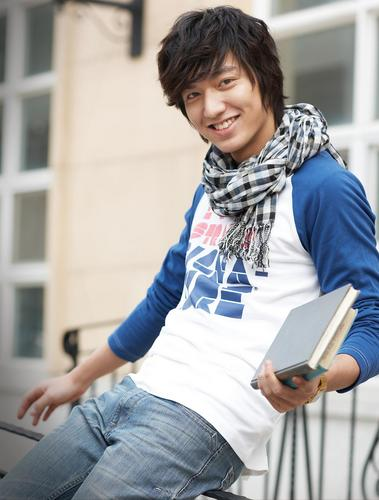 Lee Min Ho wallpaper possibly containing a stole and an outerwear titled lee min ho