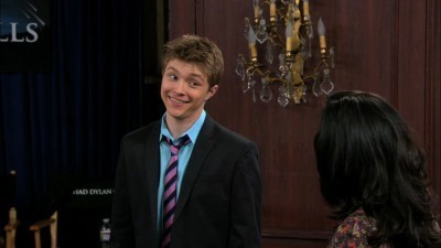 Sonny Munroe Hintergrund with a business suit, a suit, and a three piece suit titled swac screencaps