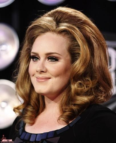 Adele Hintergrund containing a portrait titled Adele @ MTV VMA 2011