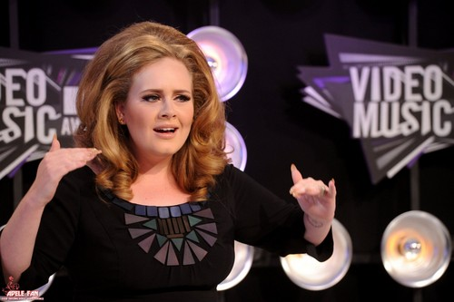 Adele Hintergrund probably containing a konzert and a portrait entitled Adele @ MTV VMA 2011