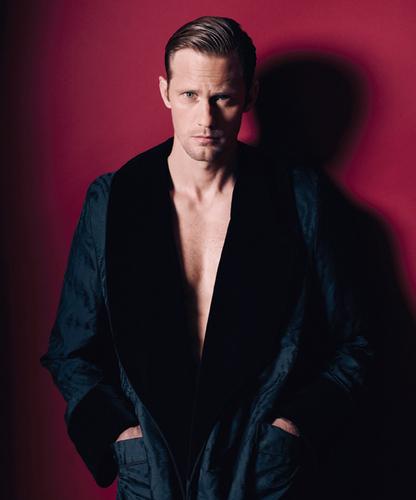 Alexander Skarsgard's Sexy BlackBook Magazine bức ảnh Shoot!