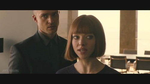 """Amanda Seyfried kertas dinding with a portrait called Amanda in """"In Time"""" [HQ Trailer screencaps]"""