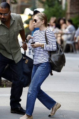 Ashley - Leaving her downtown hotel, 05, August, 2011