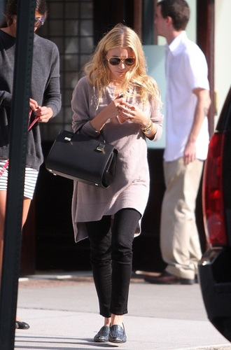 Ashley - Stepping out of her hotel in Tribeca, NYC, 18, August, 2011