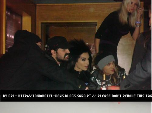 Bill y Tom con Tomo y Shannon de segundos to Mars
