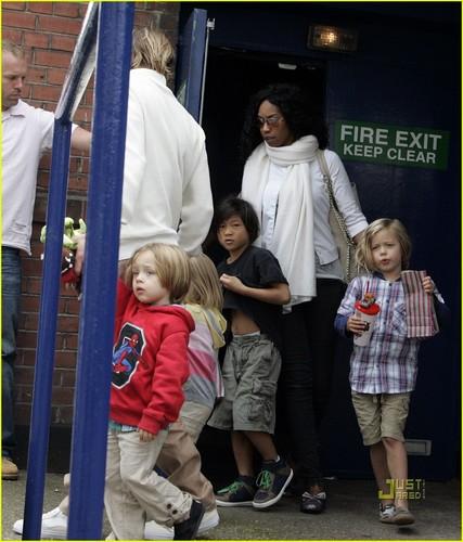 Brad Pitt: Mr. Popper's Penguins Screening with the Kids!
