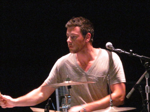 Cory Monteith wallpaper with a concert, a guitarist, and a drummer titled Cory Monteith at Hershey Park