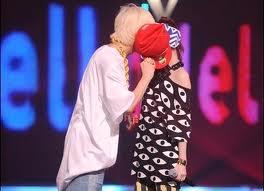 DaraGon kiss