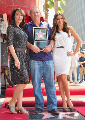 Ed O'Neil Honored On The Hollywood Walk Of Fame!!