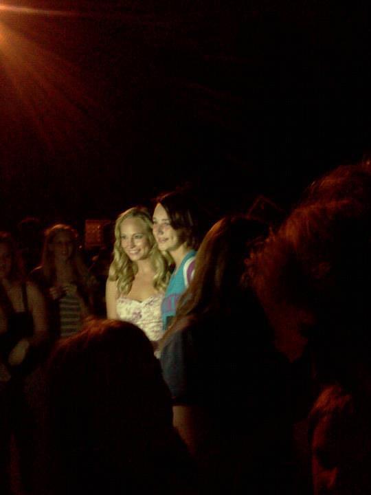 fan pics from the set of TVD season 3!