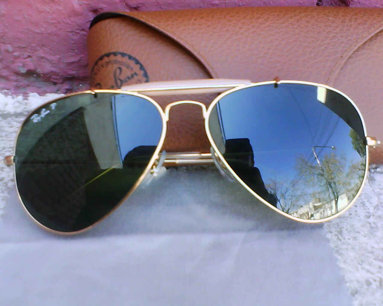 ray ban glass wallpaper  ray ban sunglasses images fer hd wallpaper and background photos