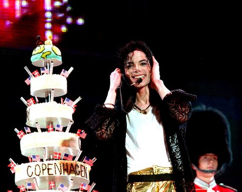 Happy Birthday Michael ! I Cinta anda ; ☆