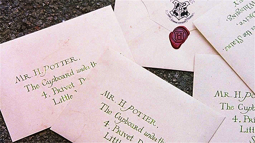 Harry Potter Vs. Twilight wallpaper entitled Harry's letter