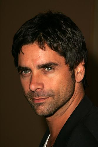 John Stamos fond d'écran with a portrait entitled John Stamos