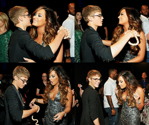 Justin Bieber Images Justin Bieber Demi Lovato The Vmas One Wallpaper And Background Photos