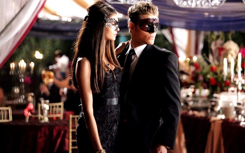 Katherine Pierce karatasi la kupamba ukuta containing a business suit and a well dressed person titled Katherine Pierce ❤