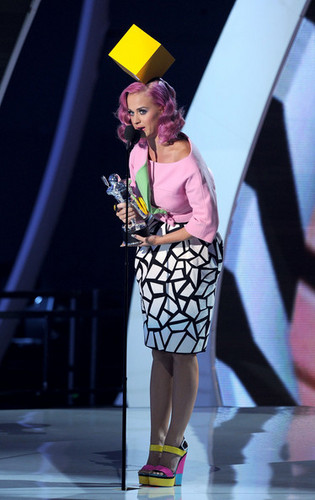 Katy Perry On Stage @ the 2011 এমটিভি VMAs