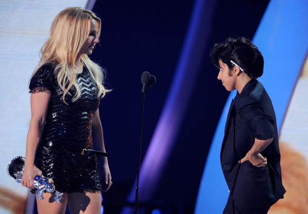 Lady GaGa Presents Britney Spears with MTV Award