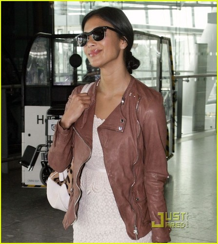Nicole Scherzinger: 런던 Lovely!