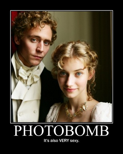 Photobomb - tom-hiddleston Fan Art