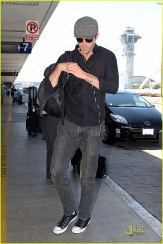 Ryan Reynolds: Animated Series with Sandra Bullock?