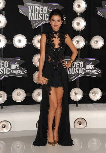 Selena Gomez ~ August 28th- 2011 MTV Video Musik Awards